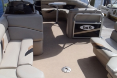 castaways-22ft-fishing-pontoon-boat-interior2