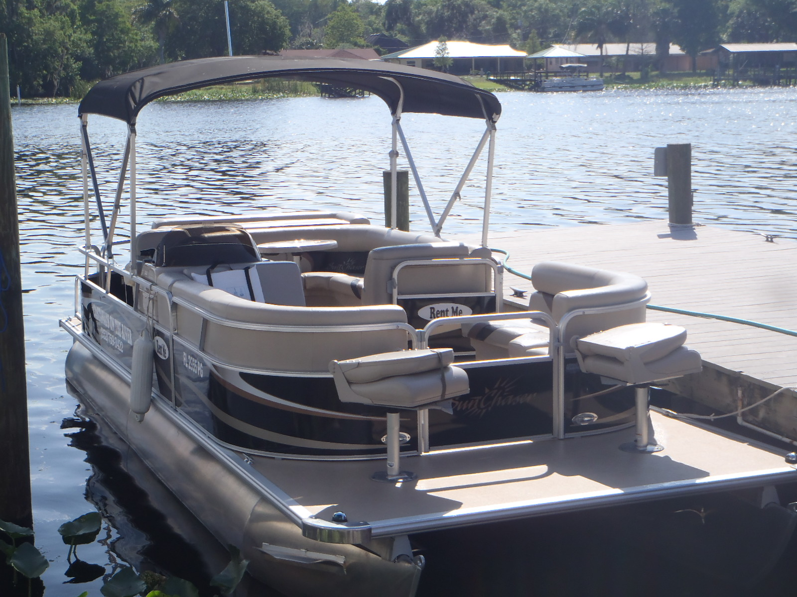 Grady Pontoon   Boat Rental. Boat Rentals   Astor  Florida   Castaways on the River